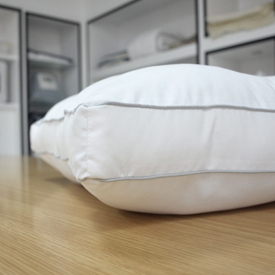 Soft three-dimensional polyester pillow